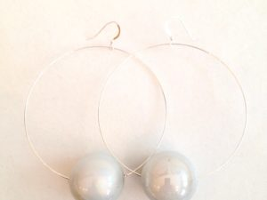 Viki Hoops in White