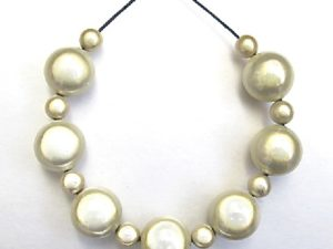 Bubble Necklace in Cream
