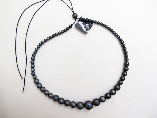 Large to small Necklace Dark Gray