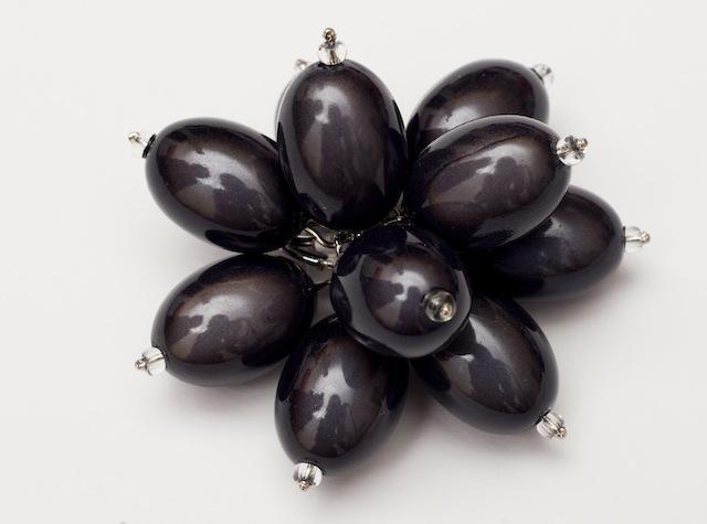 Giant Flower Power Cocktail Ring Black