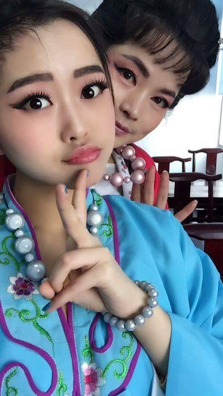 lindatoye_chinagirls2_bubble_necklace